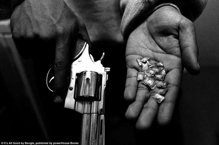 Фотограф подружился с уличными гангстерами и задокументировал их жизнь