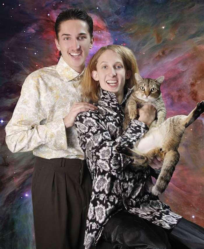 Коты и их люди