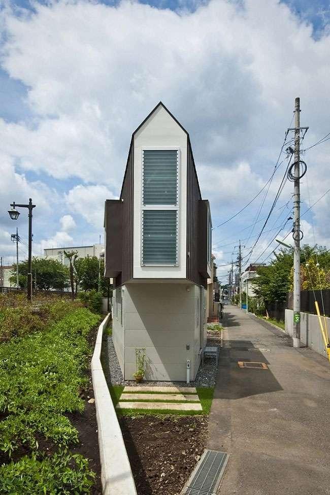 Этот дом в Японии только снаружи кажется миниатюрным и узким