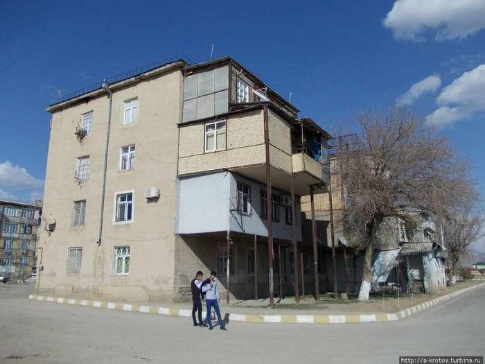 Балконные пристройки как решение квартирного вопроса (22 фот.