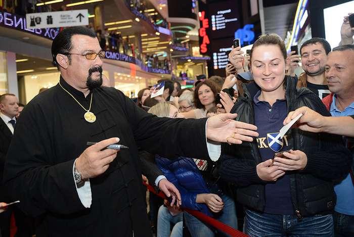 Как зарубежные знаменитости поддерживают Россию?