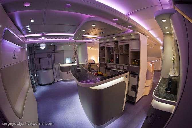 Внутри летающего гиганта Airbus A380