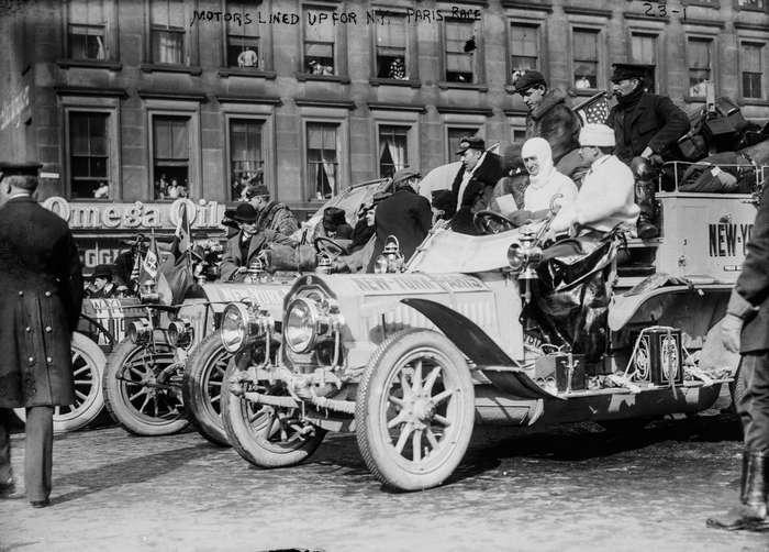 Величайшая автогонка в истории: 20 тысяч километров на телегах с мотором