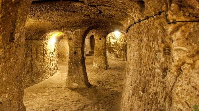 8 таинственных подземных городов