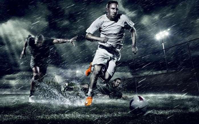 Почему с футбольных афиш исчезла надпись «Матч состоится при любой погоде»