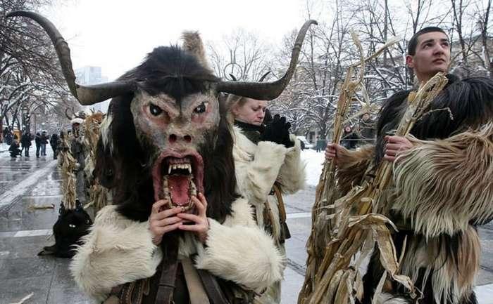 15 самых странных новогодних традиций народов мира