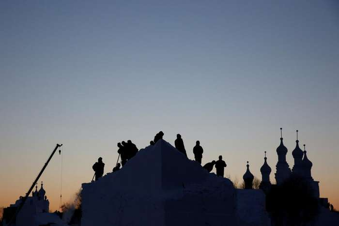 Как в Китае готовятся к Харбинскому международному фестивалю льда и снега