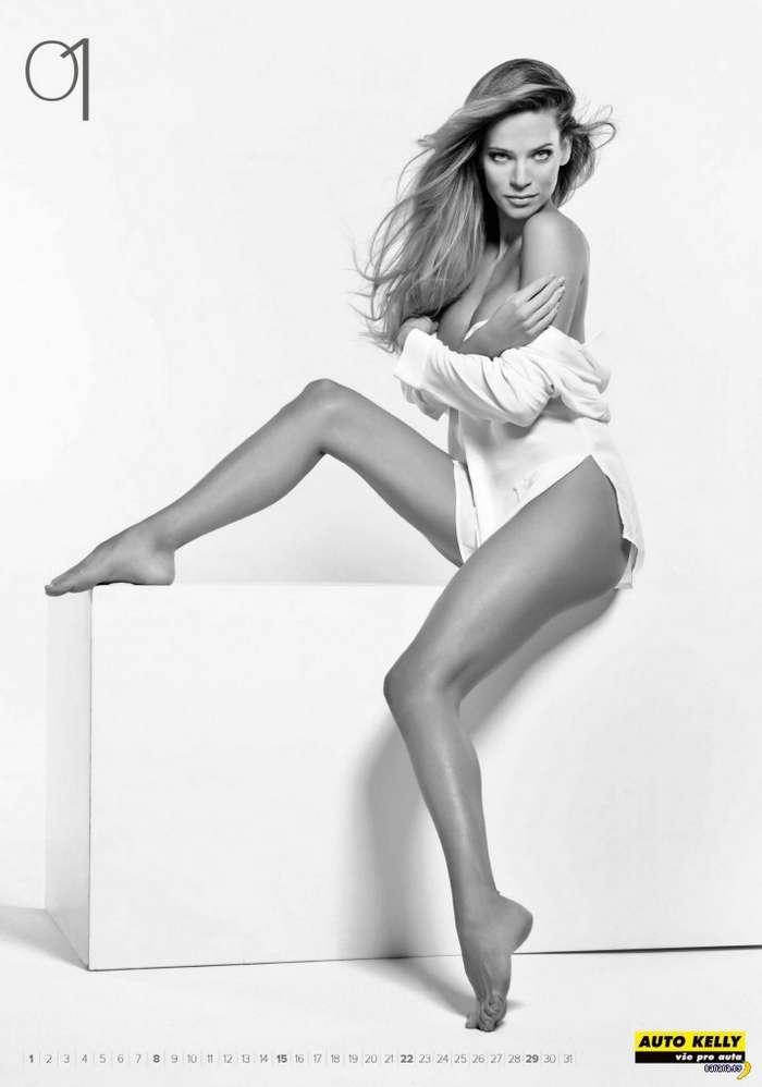 Jennifer beals nude ass
