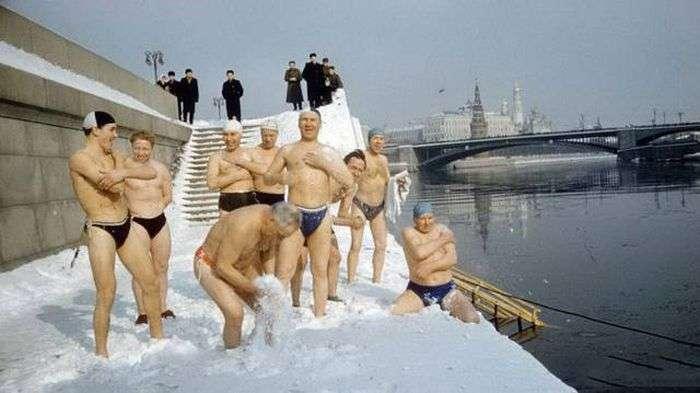 Люди, которым не знакомо чувство холода (67 фото)