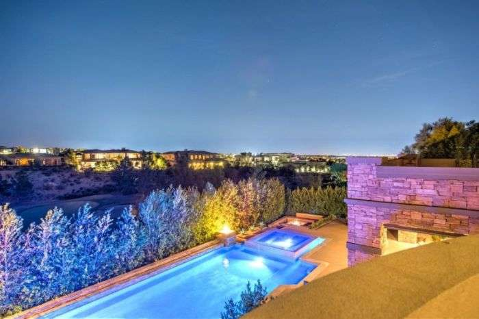 Дэн Билзерян продает свой холостяцкий особняк в Лас-Вегасе (28 фото)