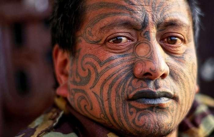 10 исторических примеров принудительных татуировок, которые использовали, как наказание