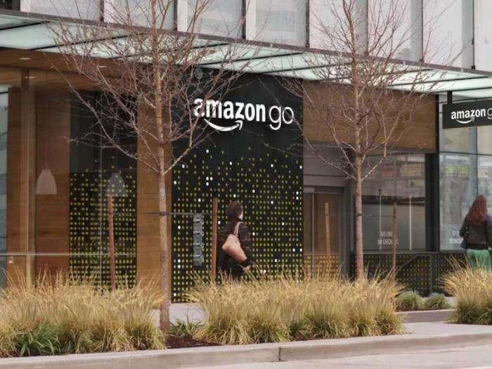 Amazon Go — магазин будущего без очередей и касс (8 фото)