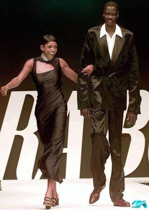 Мануте Бол - самый высокий баскетболист в НБА (21 фото)