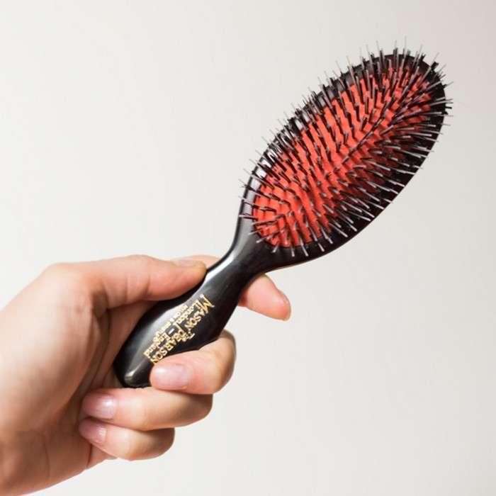 Выбираем «оружие»: как подобрать идеальную расчёску для каждого типа волос