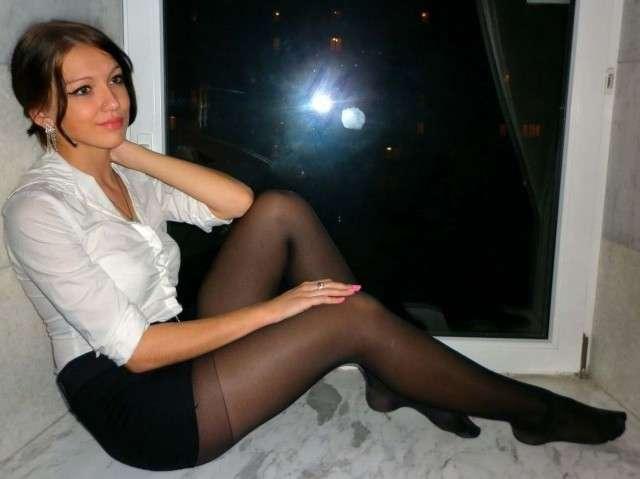 Русское порно молоденькую девушку ебут