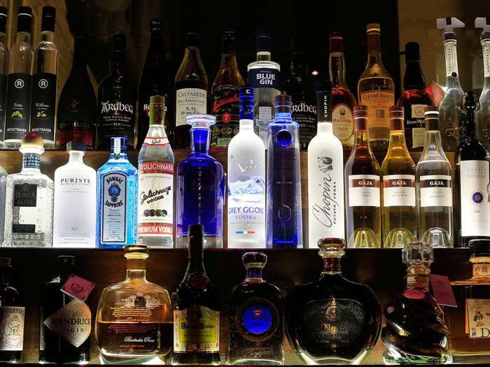 10 алкогольных игр, что бы напиться с интересом!