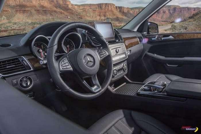 2017 Mercedes-Benz GLS550