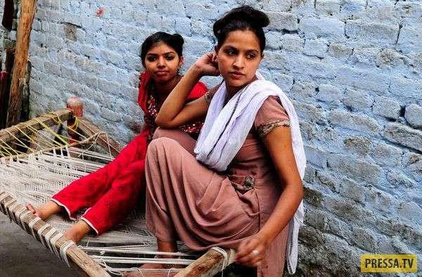 Страны, где девочкой лучше вообще не рождаться (5 фото)