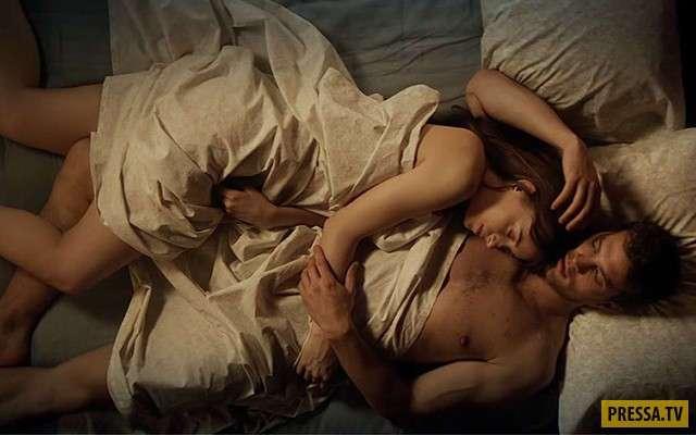 Джеми Дорнан о постельных сценах с Дакотой Джонсон (3 фото)