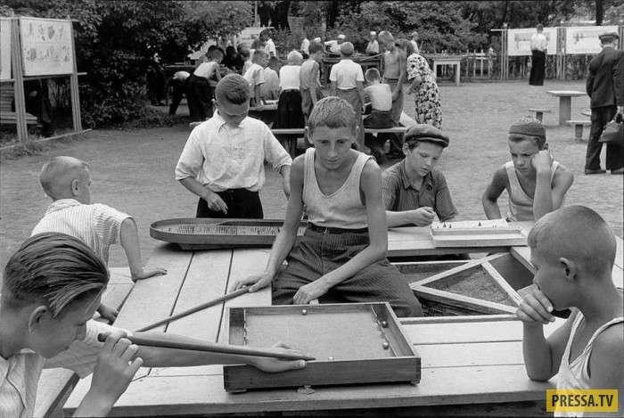 СССР в 1954 году в фоторепортаже Анри Картье-Брессона (26 фото)