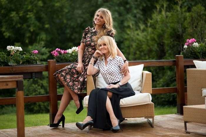 Сногсшибательные мамы, которые выглядят на один возраст со своими дочерьми