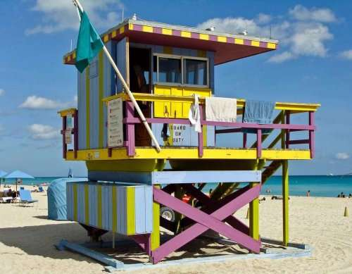 Спасательные вышки Майами-Бич (24 фото)