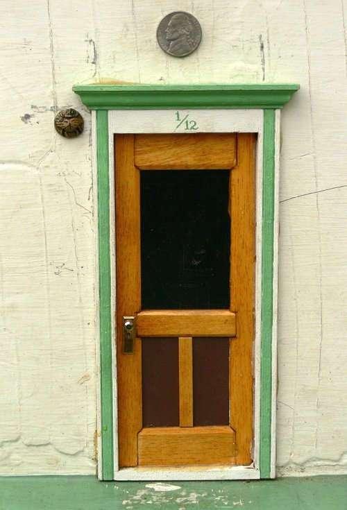 Секрет крошечных дверей из города Анн-Арбор наконец-то раскрыт