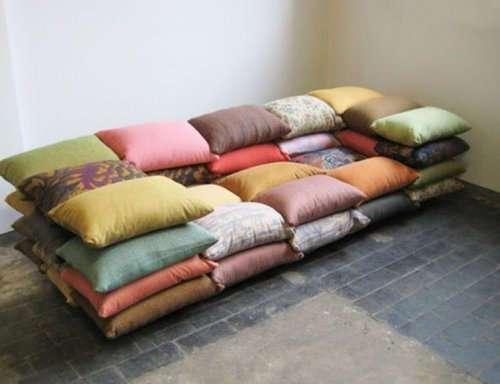 Топ-10: Удивительные и невероятные вещи, переделанные в диваны