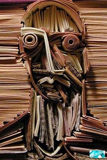 Прикольные скульптуры из газет (32 фото)