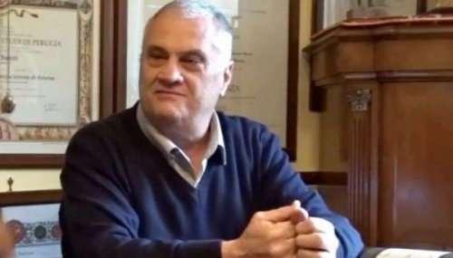 Новый рекорд Гиннесса: 70-летний итальянец получил больше университетских дипломов, чем кто-либо на свете