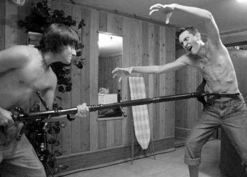 Фотографии, доказывающие, что первые 40 лет в жизни мужчины — самые сложные (25 шт)