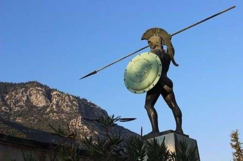 Топ-10: самые ужасающие факты про спартанцев