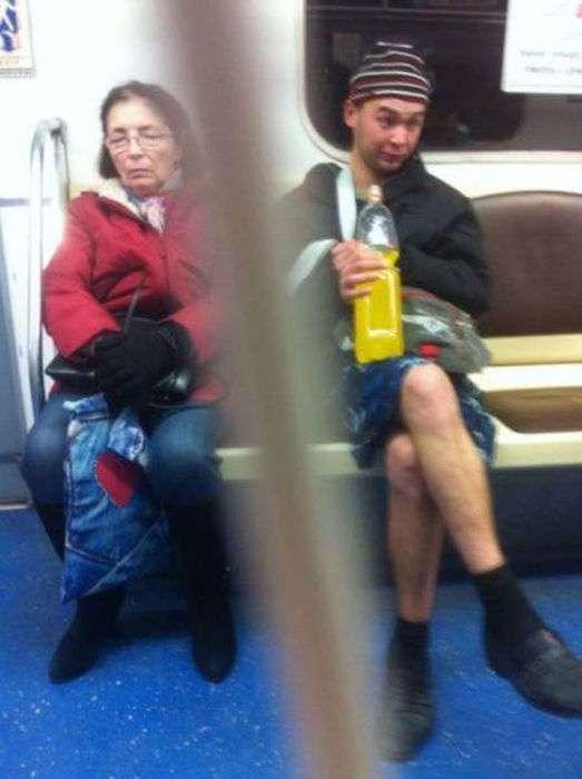 Фрики в метро (37 фото)