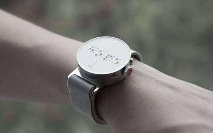 Часы для незрячих людей со шрифтом Брайля (7 фото)