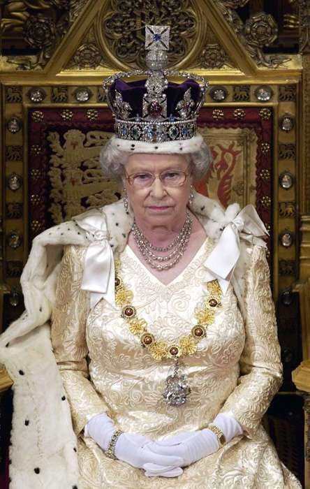 Как проходят будни британских монархов