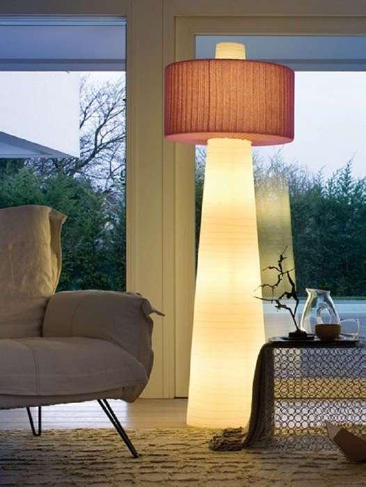 25 современных напольных светильников, которые сделают любой дом светлым, уютным и стильным