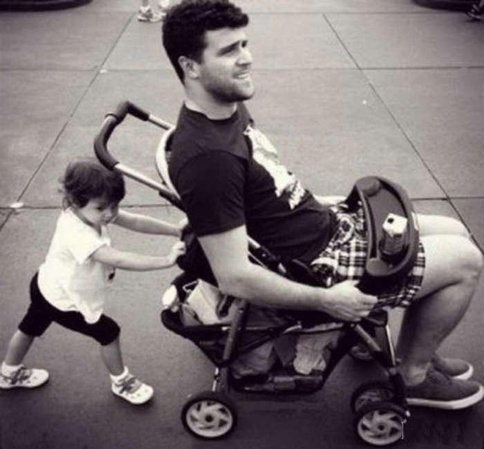 Отец - молодец: 18 уморительных фотографий о мужчинах, которые замечательно ладят с детьми