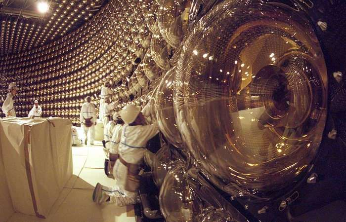 Невероятные открытия: путешествие к центру Земли в надувной лодке