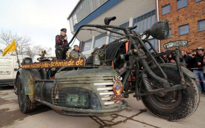 Самый большой в мире мотоцикл с двигателем от советского танка