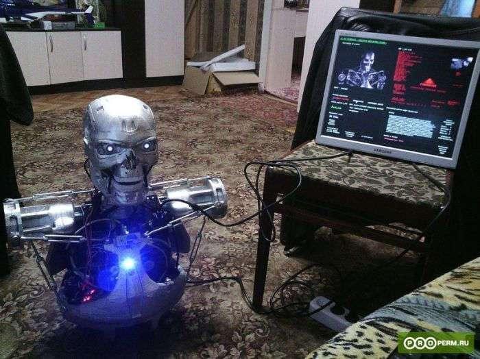 Пермский программист создал модель робота Т-800 из фильма -Терминатор- (4 фото + видео)