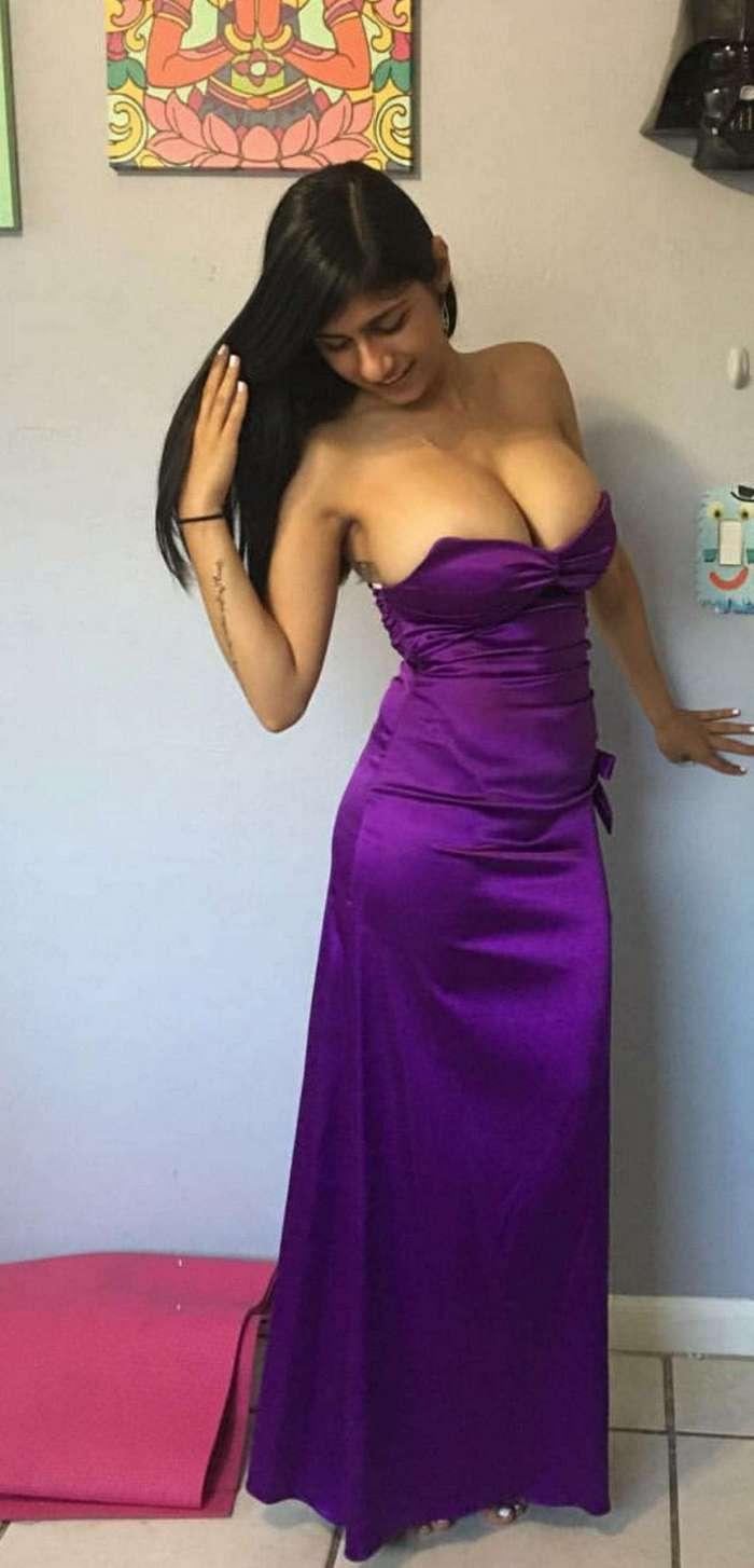 Платья, подчеркивающие умопомрачительные формы девушек