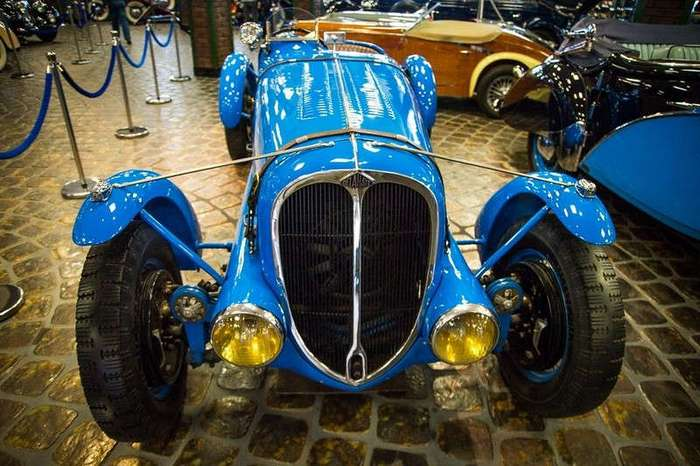 Музей старинных автомобилей Вадима Задорожного
