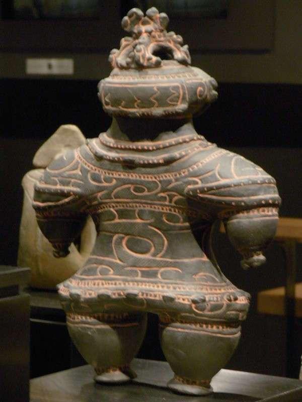Фигурки догу: загадочная керамика Японии