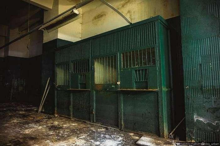 Фотографии погибающего завода ЗИЛ