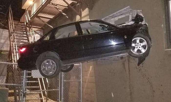 Эти мужчины водят машину хуже любой женщины!