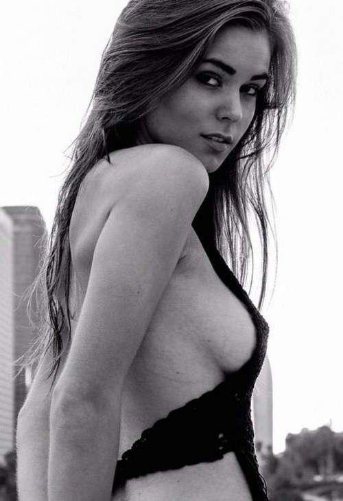 Фото самых красивых девушек. Чертовски красивые с ШИКарными формами 290317-112-49