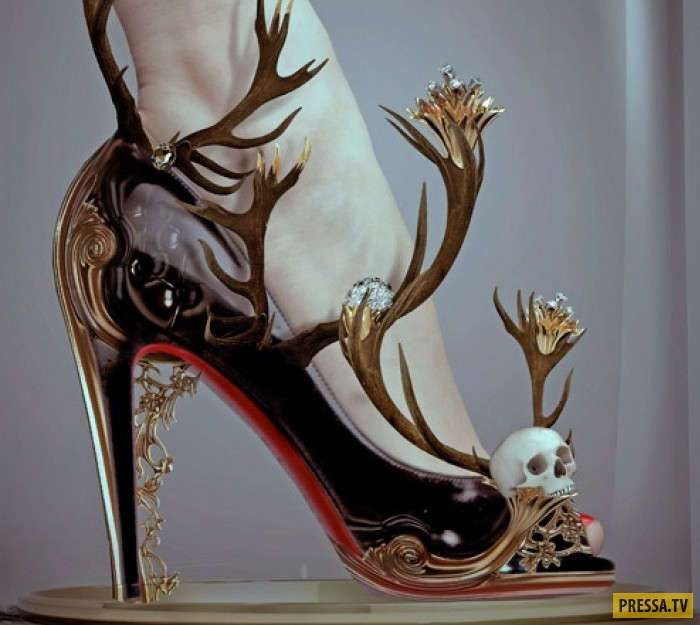 Творения, которые трудно назвать обувью (45 фото)