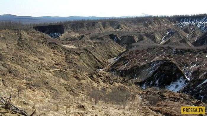 """Сибирские """"ворота в ад"""", которые продолжают увеличиваться (6 фото)"""