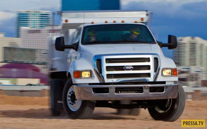 Гигантский, с агрессивным видом, внедорожник Ford F-650 (9 фото+1 видео)
