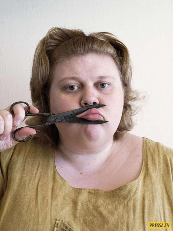 Автопортреты, которые высмеивают гламурные селфи (20 фото)